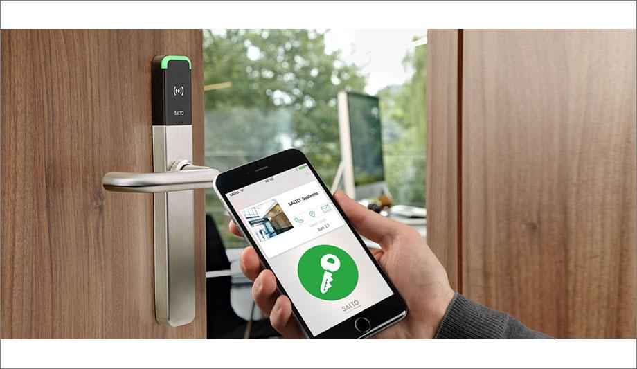 Toegang controle met mobiele app. Beveiligde deuren met Salto Systems